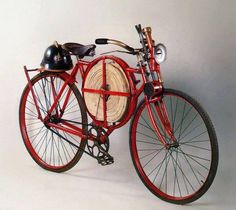 """redjeep: """" specialcar: """" fire bike """" a 1905 Fireman's Bicycle. Photo from the book """"Le Bicyclette"""" by Fermo Galbiati & Nino Ciravegna, (BE-MA Editrice,Chronicle Books) """" Old Bicycle, Old Bikes, Bicycle Shop, Velo Vintage, Vintage Bicycles, Tricycle, Cargo Bike, Cool Bicycles, Bicycle Design"""