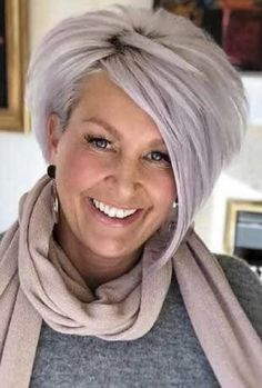 Best Short Haircuts for Women Over 50 with 20 Pics - short-hairstyless. Stacked Bob Hairstyles, Bob Haircuts For Women, Bob Hairstyles For Fine Hair, Layered Bob Hairstyles, Best Short Haircuts, Short Hair Cuts For Women, Short Hair Styles, Pixie Haircuts, Medium Hairstyles