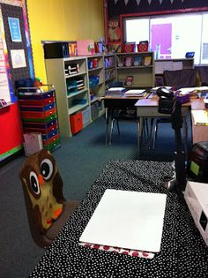 Lots of ideas here...sheesh!  :) Fancy Free in Fourth: Hoot Hoot! My 2012 Classroom Reveal!
