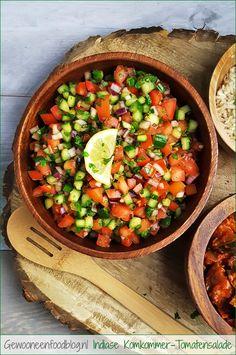 Indiase komkommer-tomatensalade (Kachumbar) | Gewooneenfoodblog.nl Afghan Food Recipes, Indian Food Recipes, Italian Recipes, Salad Recipes, Healthy Recipes, Healthy Food, Vegan Junk Food, Indian Kitchen, India Food