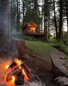 Cottage Style, Farmhouse Style, Farmhouse Decor, Small Dream Homes, My Dream Home, Cabin Homes, Log Homes, Grid Architecture, Cabins And Cottages