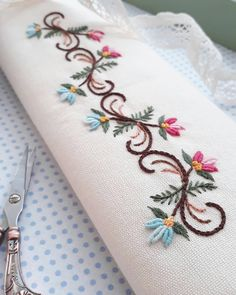 Wonderful Ribbon Embroidery Flowers by Hand Ideas. Enchanting Ribbon Embroidery Flowers by Hand Ideas. Border Embroidery, Embroidery Flowers Pattern, Embroidery Monogram, Hand Embroidery Stitches, Silk Ribbon Embroidery, Crewel Embroidery, Hand Embroidery Designs, Cross Stitch Embroidery, Embroidery Ideas