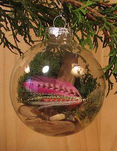 Love this idea of using a mason jar lid ring to make a mini wreath ...