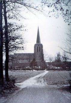 Zand zicht op de kerk heet nu Bernhardstraat.