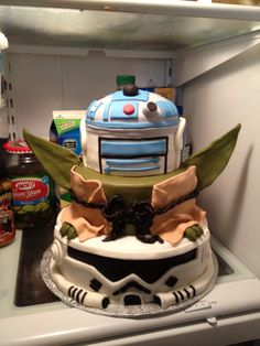 Star Wars cake today. Now that's awesome!