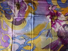 Very beautifful and long silk scarf!!!!! This scarf that you wear is a picture on your body. He is painted as painting a picture and you will experience the pleasure of this experience the artistic energy that is! He is very gentle, gorgeous in size and especially elegant. You could wear it during the day as well as a good mix of casual clothes as well as an evening accessory. You can place an order. The scarf is available. Each scarf can be executed in different colors. Silk is a very…