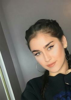 Find images and videos about style, makeup and lauren jauregui on We Heart It - the app to get lost in what you love. Lauren Mitchell, Fifth Harmony Lauren, Daddy, Camila And Lauren, Woman Crush, Beautiful Eyes, Green Eyes, Celebrity Crush, Girl Crushes