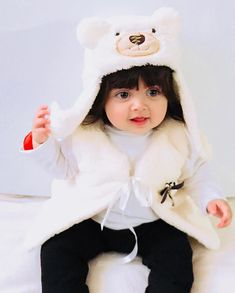 Cute Baby Girl Photos, Beautiful Baby Pictures, Cute Baby Couple, Cute Little Baby Girl, Cute Kids Pics, Cute Little Girls Outfits, Cute Baby Pictures, Beautiful Kids, Cute Baby Dresses