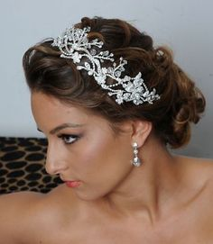 bridal hair pieces. I love this but maybe with a lil more sparkle!!!!!