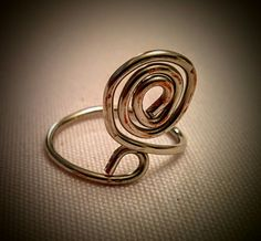 Wire silver coloured adjustable ring