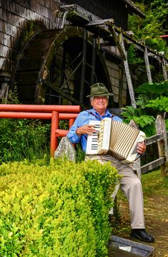 Accordion Player, Puerto Montt, Chile by Chris Taylor, via Sur Chile, Accordion Music, Polka Music, Music And Movement, Bavaria, Homeland, Musical Instruments, South America, Acoustic