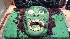 Head shot 😂 of the zombie cake.