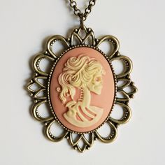 Lovely Lolita Cameo Necklace - Peach