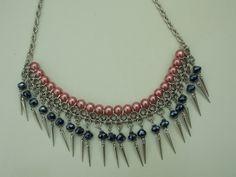 Collar con perlas, cristal checo y tejido medieval
