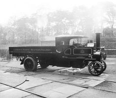 London & North Western Railway steam truck, about Cool Trucks, Big Trucks, Cool Cars, Steam Tractor, Old Lorries, All Truck, Gas Turbine, London Transport, Steam Engine