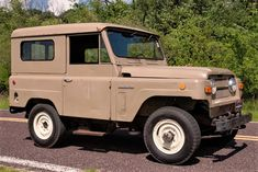 Movieland survivor, rare 1969 Nissan Patrol appeared in popular films - Today Pin All Terrain Tyres, Nissan Patrol, Manual Transmission, Toyota Land Cruiser, World War Ii, Cars For Sale, Cool Cars, 4x4, Jeep