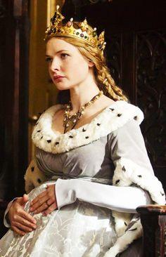 """Rebecca Ferguson as Elizabeth Woodville in """"The White Queen"""" (2013)"""