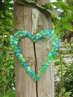 Yes another melted bead idea. :) I went round my auntie's house, who always manages to inspire me in some way. She had a fab collection of c. Plastic Bead Crafts, Melted Bead Crafts, Pony Bead Crafts, Wire Crafts, Jewelry Crafts, Beaded Crafts, Plastic Beads, Christmas Crafts For Kids, Summer Crafts