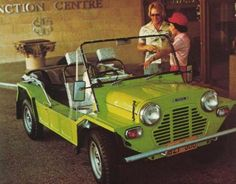 Mini Moke australienne Classic Mini, Classic Cars, Mini Morris, Triumph Spitfire, Australian Cars, Cabriolet, Mini Stuff, Car Stuff, Mini Me