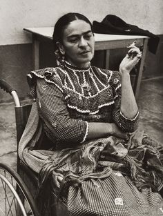 FOTO HERMANOS MAYO Frida Kahlo, Coyoacán, México, D.F., ca. 1943. Impresión de 1991-92.