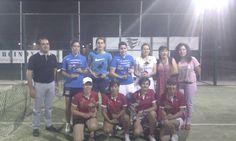 """Foto de las campeonas del I Torneo de padel en categoría femenina """"El flamenco"""", que ha resultado todo un éxito de organización y participación."""