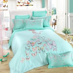 Cute butterfly themed bedding set will help you create an incredible room for your girls . These full, queen size butterfly print bedding sets are surely to impress. You can sink into your cotton bedding sets and enjoy a long nights rest. Toddler Girl Bedding Sets, Girls Bedding Sets, Bedding Sets Online, Queen Bedding Sets, Luxury Bedding Sets, Unique Bedding, Comforter Sets, Modern Bedding, Comforter Cover