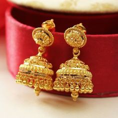 Fulfill a Wedding Tradition with Estate Bridal Jewelry Gold Earrings For Women, Gold Earrings Designs, Gold Jewellery Design, Necklace Designs, Gold Jewelry, India Jewelry, Handmade Jewellery, Designer Jewelry, Stone Jewelry