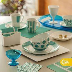 Enquanto o branco traz paz, o azul entra com o frescor. A combinação presente na linha de porcelanas acalma e ilumina.
