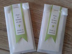 lot de 90 pochettes de mouchoir pour invité personnalisé-mariage- en papier blanc : Accessoires de maison par lesdecosdecaro