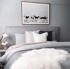 Bed set decorations
