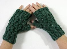 Yarn Visions: Twisted Chain Link Fingerless Gloves