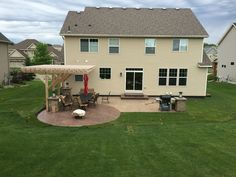 Stamped concrete patio with integrated seating wall, pillars and cantilevered pergola by Sierra Concrete Arts. Concrete Art, Stamped Concrete, Concrete Patios, Pergola Designs, Deck Design, Pergola Ideas, Pergola With Roof, Gazebo, Pergola Pictures