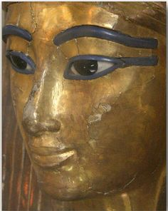 tuyu or Yuya . Hail in the forest Ancient Egyptian Art, Ancient Aliens, Ancient History, Amenhotep Iii, Egyptian Makeup, Egypt Mummy, Classic Paintings, Interesting History, Ancient Artifacts