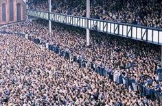 Goodison Park - Everton FC vs Liverpool FC in 1988 Football Music, Soccer Fans, Football Fans, Soccer Stuff, Arsenal Football, Liverpool City Centre, Liverpool Fans, Liverpool Football Club, Derby