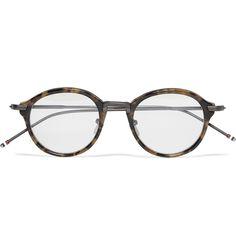 トムブラウンのメガネって、デザインも良いけど、細かな部分までこっている。手に取らないと分からないかも。