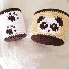 """49 kedvelés, 1 hozzászólás – ➰️Марина Герасименко️➰ (@_me_gera_handmade) Instagram-hozzászólása: """" Вот и младшая сестричка подоспела! Корзиночки прекрасно смотрятся как в…"""" Diy Crochet Basket, Crochet Bowl, Crochet Beanie, Crochet Shoes Pattern, Crochet Basket Pattern, Crochet Patterns, Crochet Needles, Fabric Yarn, Crochet Bracelet"""