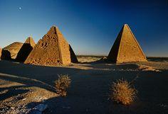 PHOTOGRAPHY Kazuyohi Nomachi: Pyramids