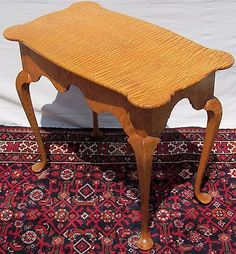 SOLID-TIGER-MAPLE-QUEEN-ANNE-STYLED-TEA-TABLE-ON-PAD-FEET