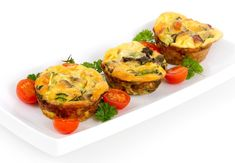 These delicious Baked Egg Muffins can be tweaked to your taste buds liking! For 12 muffins, double the batch. Vegetarian Frittata, Vegetable Frittata, Make Dog Food, Homemade Dog Food, Lunch Recipes, Dog Food Recipes, Healthy Recipes, Baking Recipes, Omelette Legume