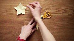 Decorazioni con la carta: come fare una stella