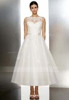 Ilusion Sleeveless Bateau Neck Lace Patterns Princess Tulle Wedding Dress with Lace Appliques