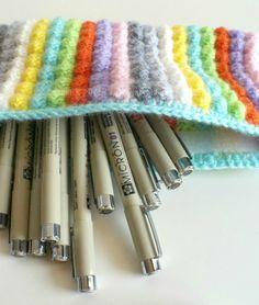 DIY crochet pencilcase