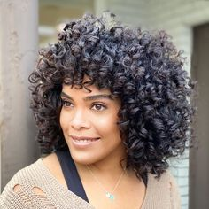 Shoulder Length Curly Hair, Curly Hair Cuts, Curly Hair Styles, Latest Hairstyles, Cute Hairstyles, Blonde Curly Bob, Sophisticated Hairstyles, Medium Curly, Natural Curls
