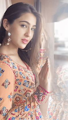 Bollywood fashion 739153357577983563 - Sara Ali Khan 2019 Pictures Source by Beautiful Girl Indian, Beautiful Girl Image, Most Beautiful Indian Actress, Beautiful Women, Indian Bollywood, Bollywood Stars, Bollywood Fashion, Bollywood Heroine, Bollywood Outfits