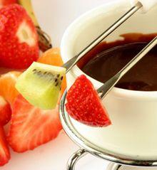 Fondue de Chocolate é sempre um valor seguro. Temos Fondues com preços fantásticos nas nossas Lojas. Uhmmmmmm    http://www.espacocasa.pt/novidades.html