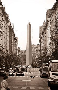 Obelisco... More a landmark than a sight, there's talk of allowing people to climb to the top.