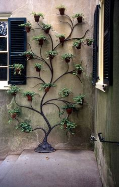 Climbing Pots - Decoration Fireplace Garden art ideas Home accessories Indoor Garden, Garden Pots, Outdoor Gardens, Balcony Gardening, Outdoor Patios, Bottle Garden, Gardening Tips, Indoor Outdoor, House Plants Decor