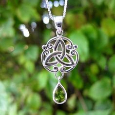 celtic knot w teardrop peridot necklace