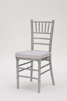 60 best chiavari chairs images wedding chairs decorated chairs rh pinterest com