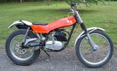 Randy's Cycle Service & Restoration in Central Virginia. Specializing in vintage & classic motorcycles. 1972 Montesa Cota 247 t Vintage Bikes, Vintage Motorcycles, Cars And Motorcycles, Motos Trial, Enduro Motocross, Trial Bike, Bmw, Moto Guzzi, Motorcycle Bike
